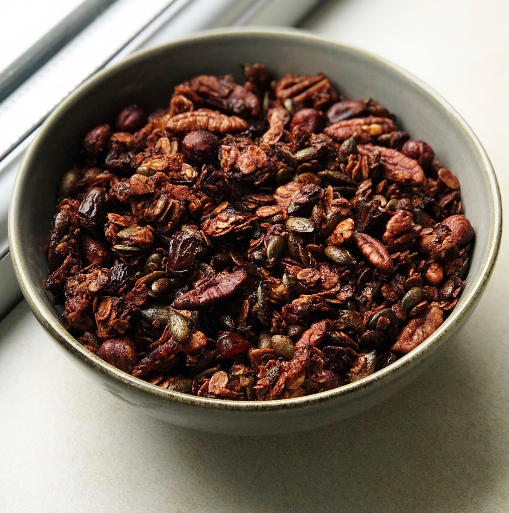Bowl of date and cinnamon granola